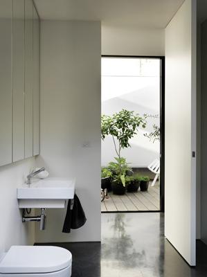 Inside-Outside-House-Peter-Miglis-Woods-Bagot-3