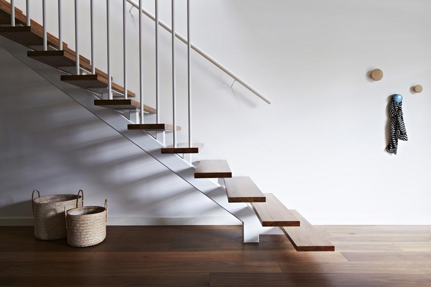 Prahran residence - Escalier helicoidal bois metal ...