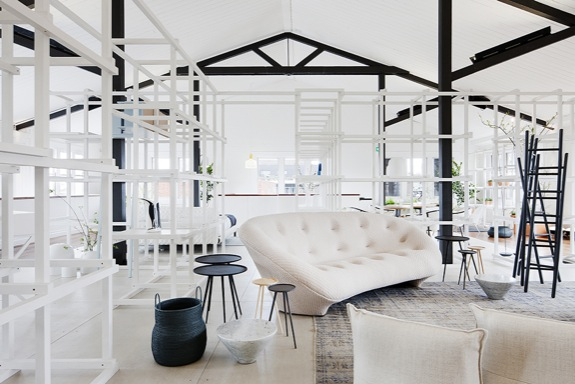 hecker_guthrie_living_it_large_in_small_spaces_01