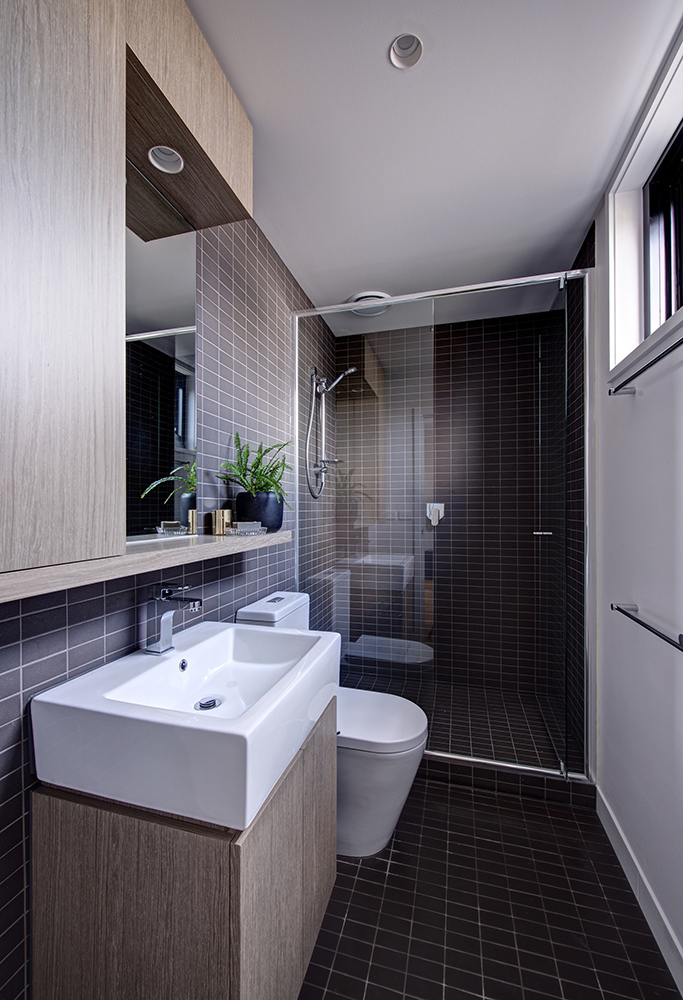 Image 08 – Apartment Bathroom