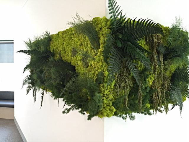 corner_greenwall