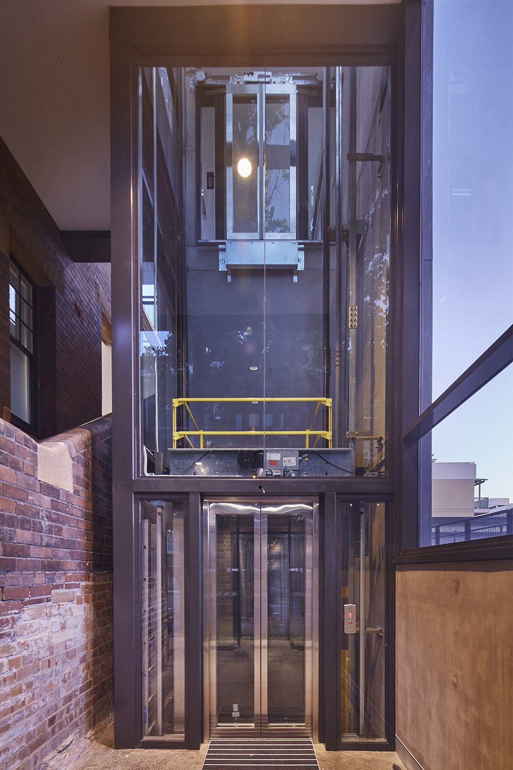 groupgsa_pyrmont_fire_station_and_offices_lift