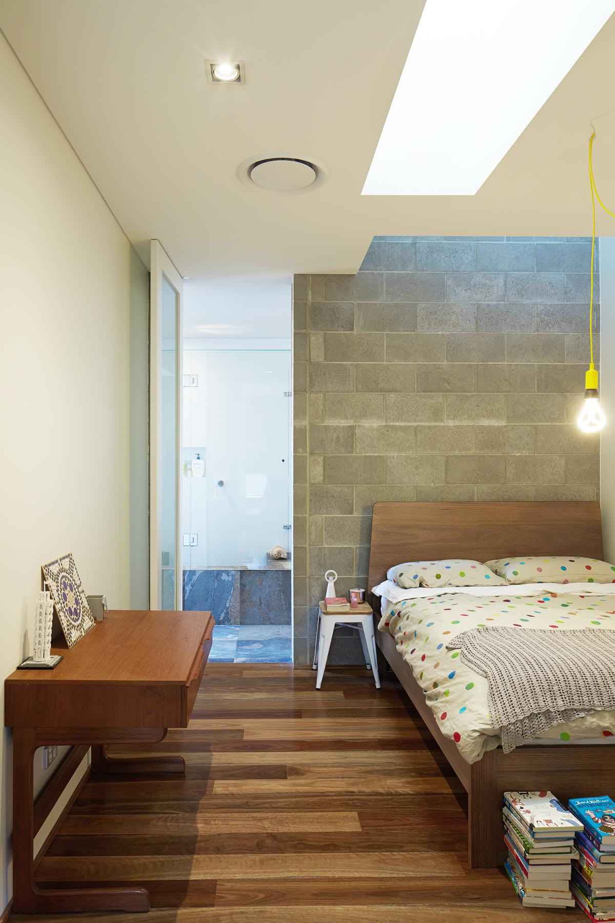 Concrete HouseArchitect: Fringe Architects