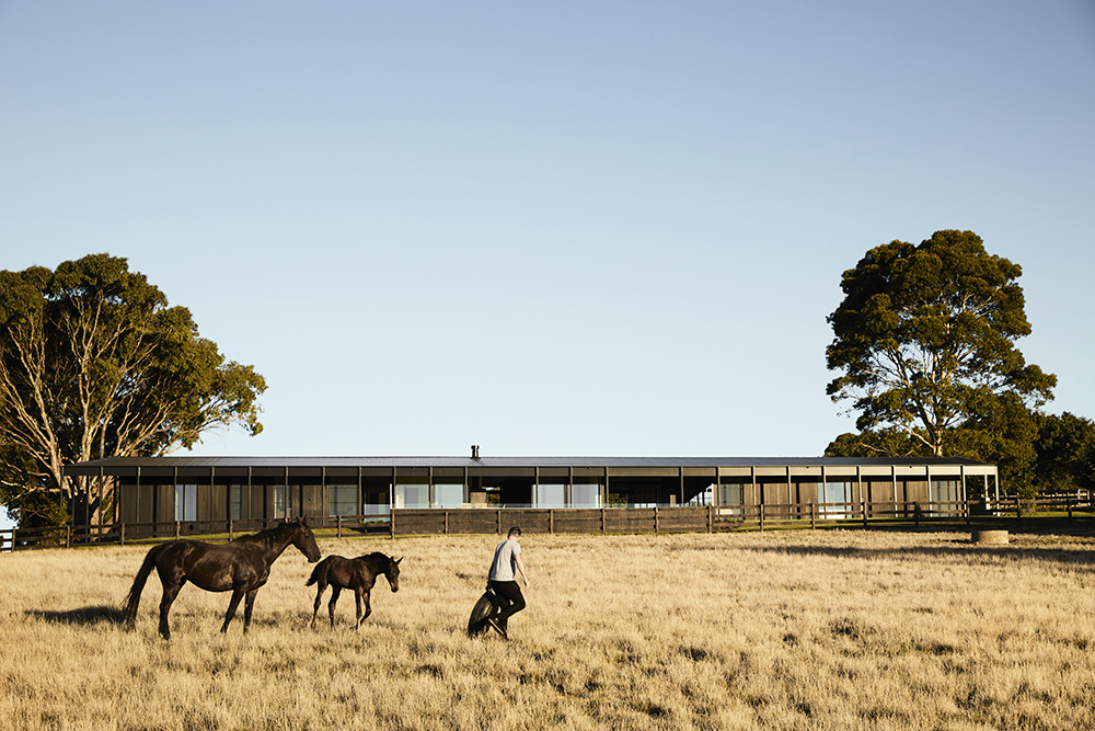 red_hill_farm_house_01