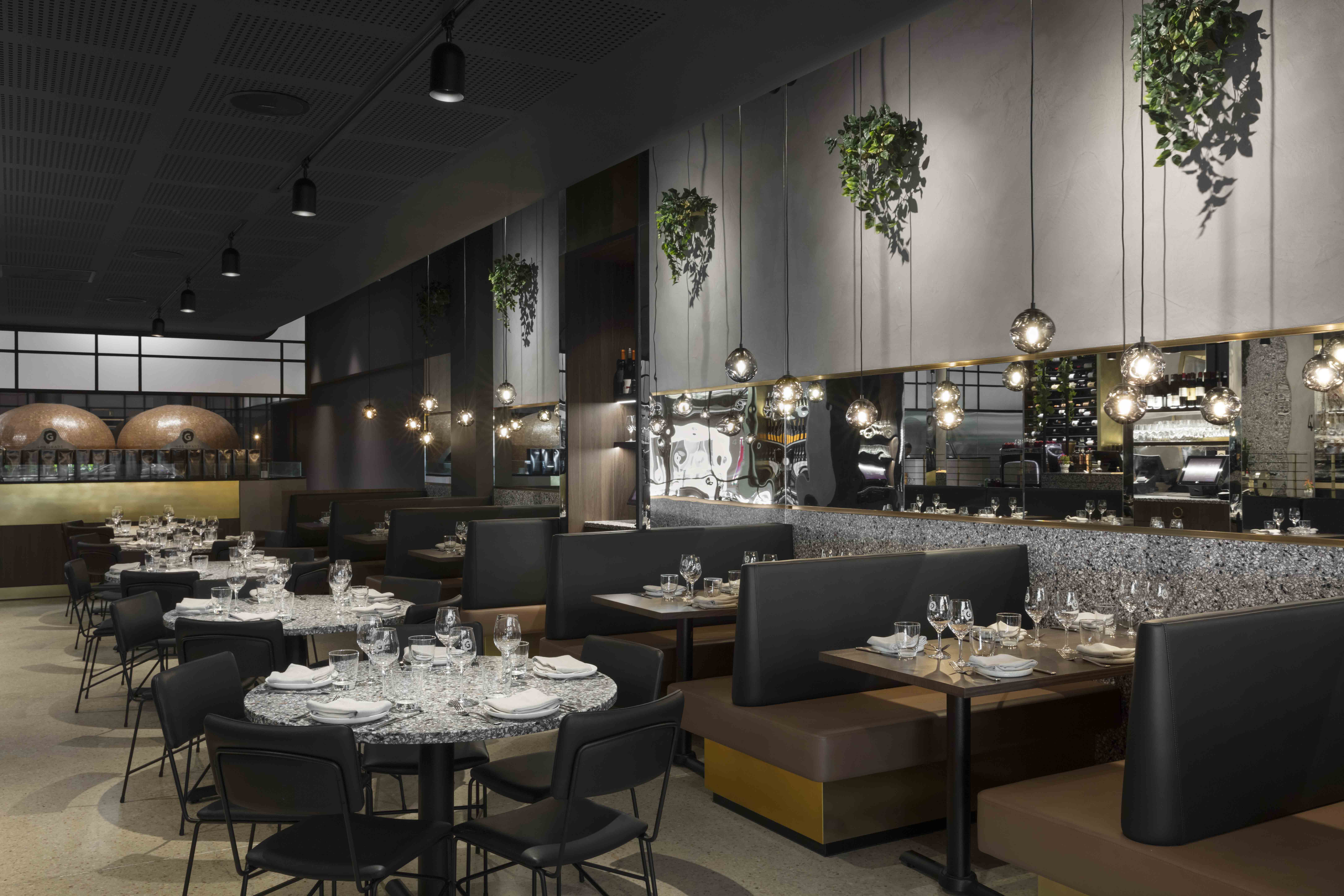 01_DEAN_DYSON_ARCHITECTS_HIGHRES_400_GRADI_TABLES_BOOTHS