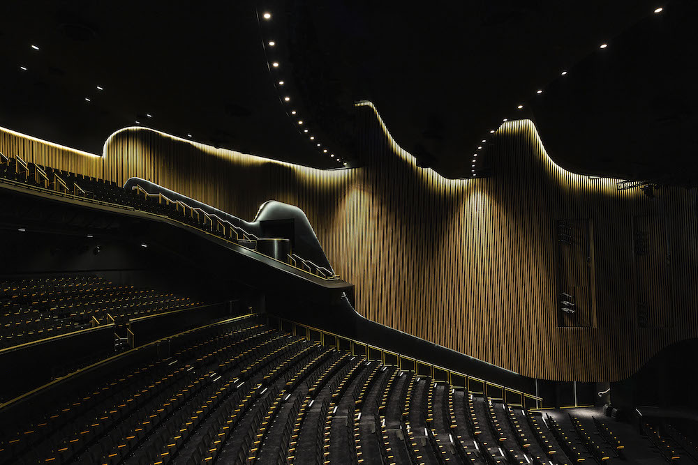 09_Sydney Coliseum Theatre, West HQ_COX_Alina Gozin'a